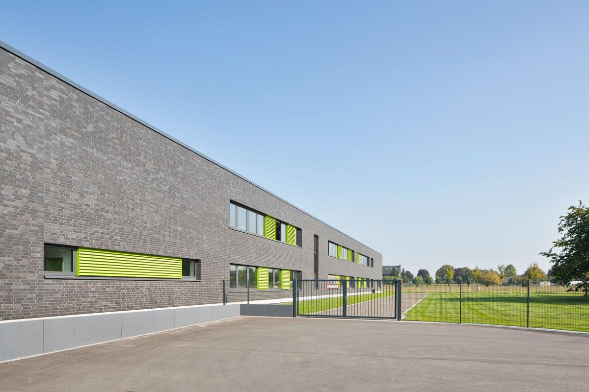 Freianlagen Verwaltung und Fundmagazin APX